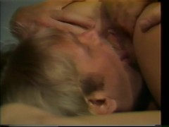 Picture Mature Babe Fucks Guy In Bed - Classic X Col...