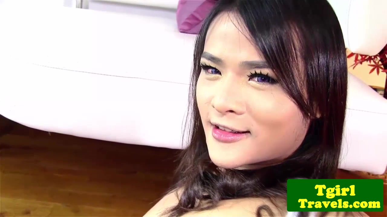 Asian tranny Natty anal plays