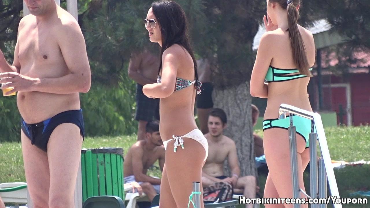 Sexy Bikini Hot babes Wet Came
