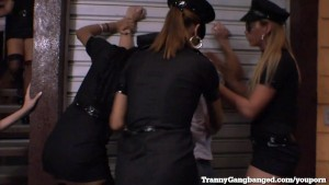 Dude Gets Busted By Tranny Police Squad!