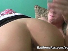 Picture Amber Wild gets messy goo facial after eatin...