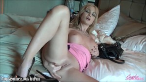 Angela Sommers finger banging shaved pussy