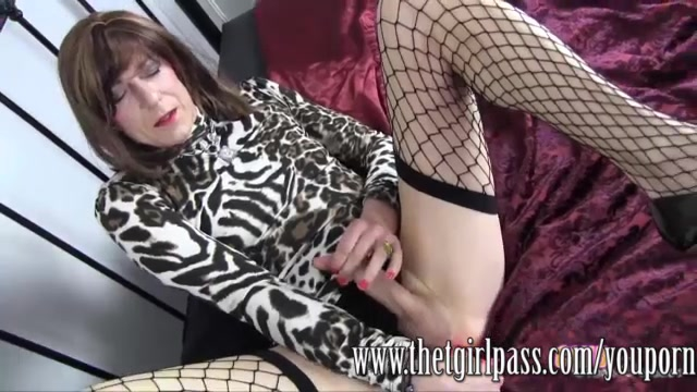 Slutty TGirl in fishnet stocki