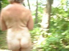 nue dans les bois 2