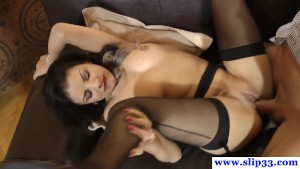 Classy casting amateur gets cumshot in mouth