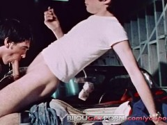 Picture Young Mechanics Fuck on a Car - CRUISIN 57 T...