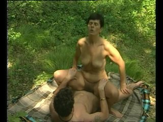 Brunette Milf Mature video: Milf sex out in the field - Julia Reaves