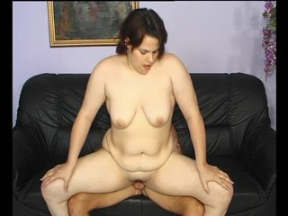 Milf Chubby Mature video: Her chubby taco gets filled with beef - Julia Reaves