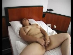 Picture Chubby Young Girl 18+ rubs her hairy pussy ...