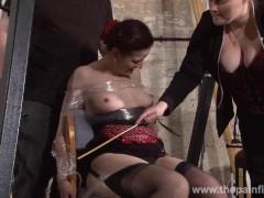 Picture Submissive Caroline Pierces spanking