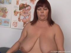 Picture Super sexy big tits mature BBW fucks her soa...