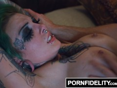 Picture Green Haired Big Fake Tits Sydnee Vicious Cr...