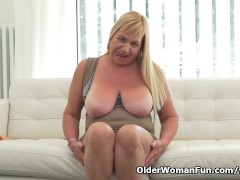 Picture Busty grandma Pem loves stuffing her old pus...