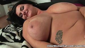 mature big tits solo