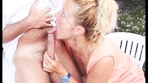 Mature couple fucks 1/2