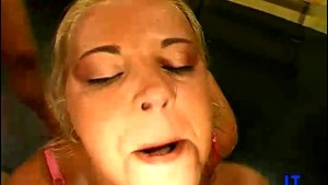 18 year old Gives a Blowjob!