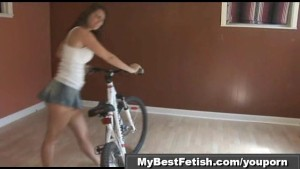 Ass worship on bicycle - Mybestfetish