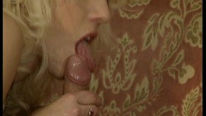 Vintage babes getting down and