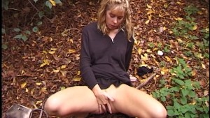 Solo girl takes care of her needs (CLIP)