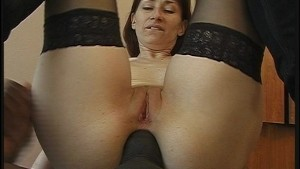 Sexy MILF takes a big black cock up her ass(clip)