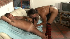 Stud fucking a tranny - Latin-Hot
