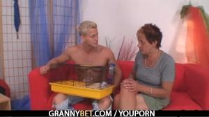 Smart guy bangs granny next door