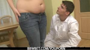 Doc explores her fat body then fucks