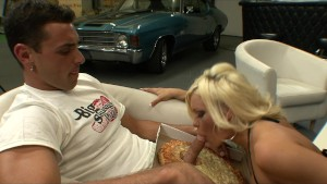 Slutty blonde MILF Crista Moore rides the pizza boy s big-dick