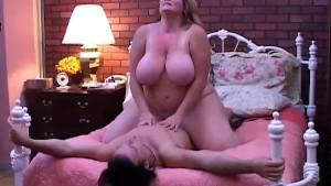 Beautiful mature BBW loves to fuck
