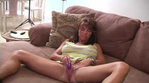 MILF with big lips and clit has BIG Orgasms