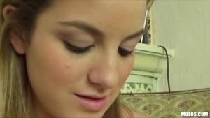 Cute natural GF Katie King mas