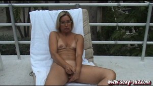 Sexy Suz Public Masturbation in South Beach