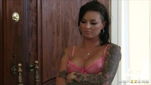Sexy Slutty babe Christy Mack fucks her ex BF s best friend