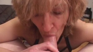 Mature amateur wife gives head