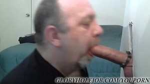 THICK STR8T COCK AT GLORYHOLE