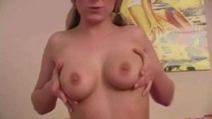 Lovely Denice plays with her tits - Sologirlcontent
