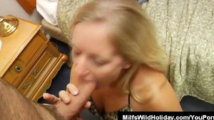 Milf Zia Pulls A Stud And Suck