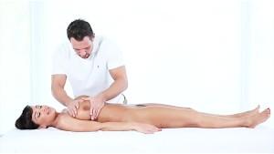 PUREMATURE Lisa Ann office massage bang