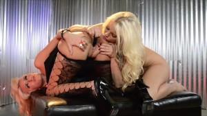 Britney Amber Backstage Lesbia