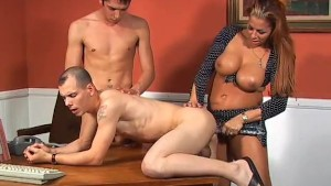Bisexual threesome have fun wi