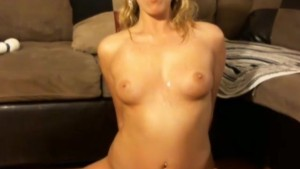 Blonde Dildos Her Pussy On Cam