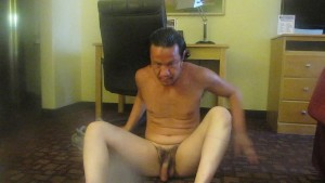 SEXY STUD WITH A SEXY BODY NICE FEET GREAT LEGS SUCK HIS OWN DICK IN HOTEL MOVING UP AND BACK