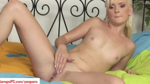 Dolly Spice Fingers Shaved Pussy