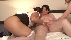 Rachelle french bbw in a fours