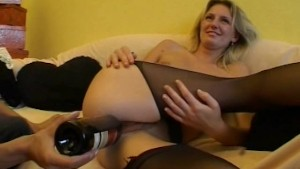 Amateur girlfriend gets toyed