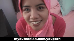 Asian amateur in head scarf su