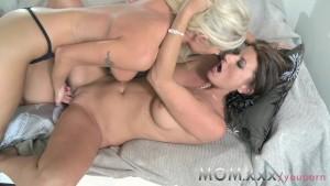 MOM Lesbian MILFs eating juicy