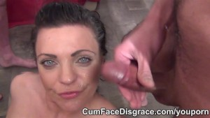Cumslut Layla takes cum in her face