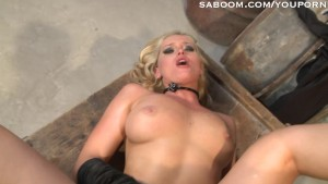 Stranger Fucks Milf's Ass in Alley