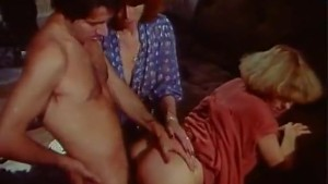Autostoppeuses blowjob and cumshot